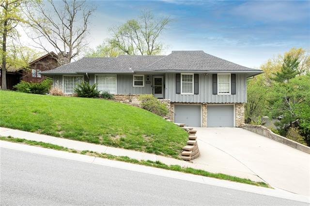 9900 W 70th Terrace Property Photo - Merriam, KS real estate listing