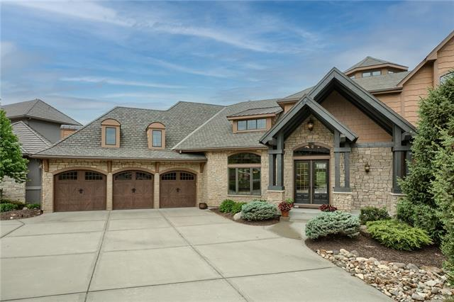 1728 NE Blue Heron Drive Property Photo - Lee's Summit, MO real estate listing