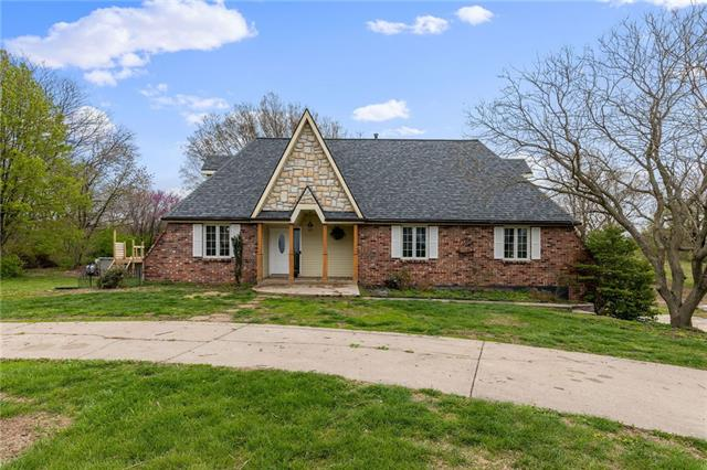 16215 Rae Lee Drive Property Photo - Kearney, MO real estate listing