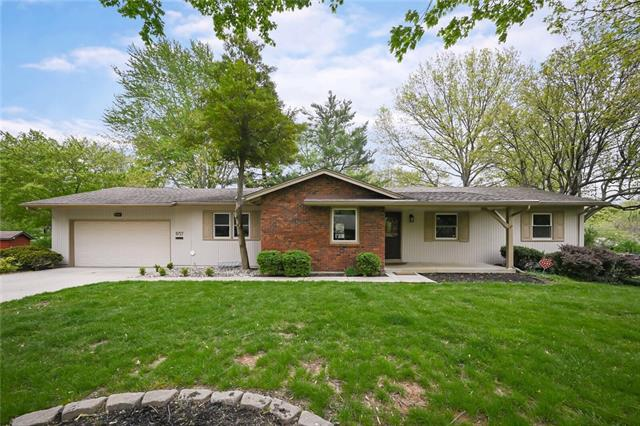 9727 Aberdeen Drive Property Photo - Overland Park, KS real estate listing