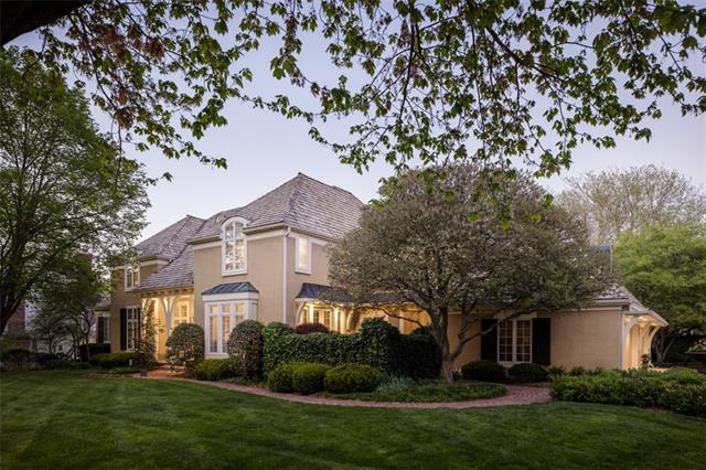 11721 Manor Road Property Photo - Leawood, KS real estate listing