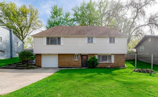 6725 Ne Cotter Avenue Property Photo 1