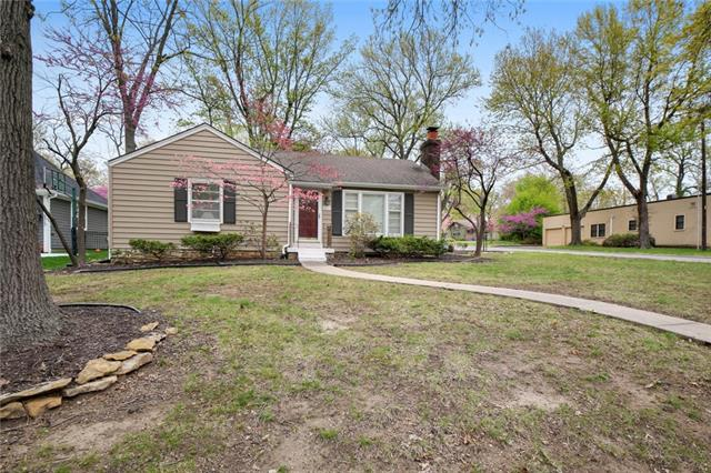 5833 Alhambra Drive Property Photo - Fairway, KS real estate listing