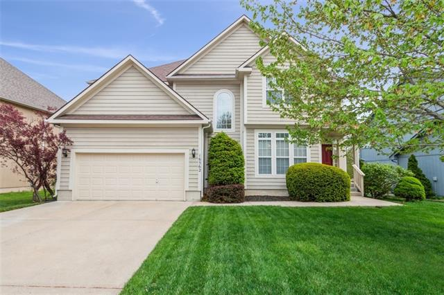 16562 W 156 Street Property Photo - Olathe, KS real estate listing