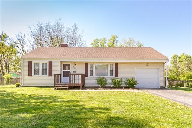 507 E 92nd Street Property Photo - Kansas City, MO real estate listing