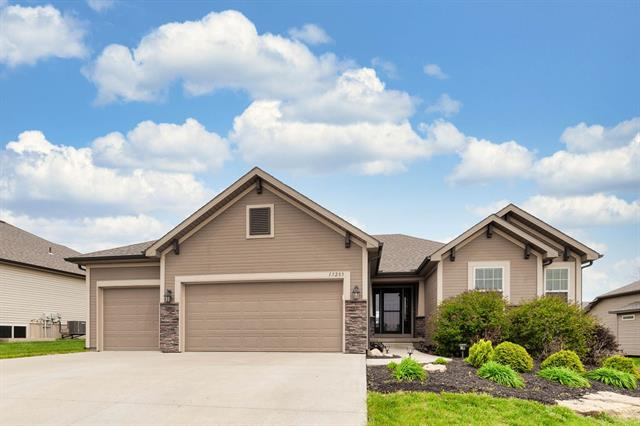 13285 N Copper Ridge Drive Property Photo - Platte City, MO real estate listing