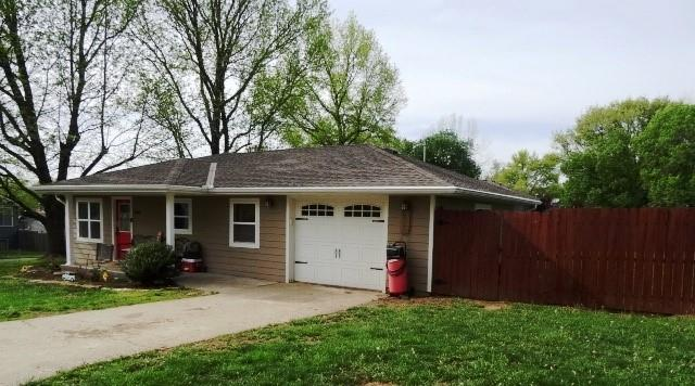 200 Ranch Drive Drive Property Photo - Butler, MO real estate listing