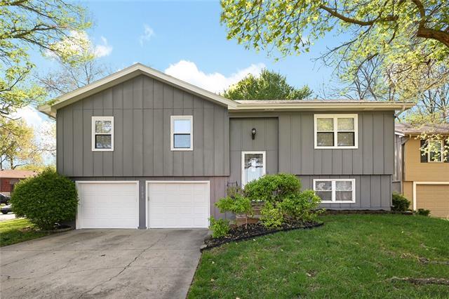 1700 S TAYLOR Circle Property Photo - Olathe, KS real estate listing