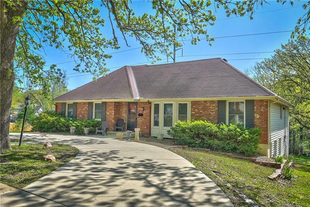 6761 N Woodland Avenue Property Photo