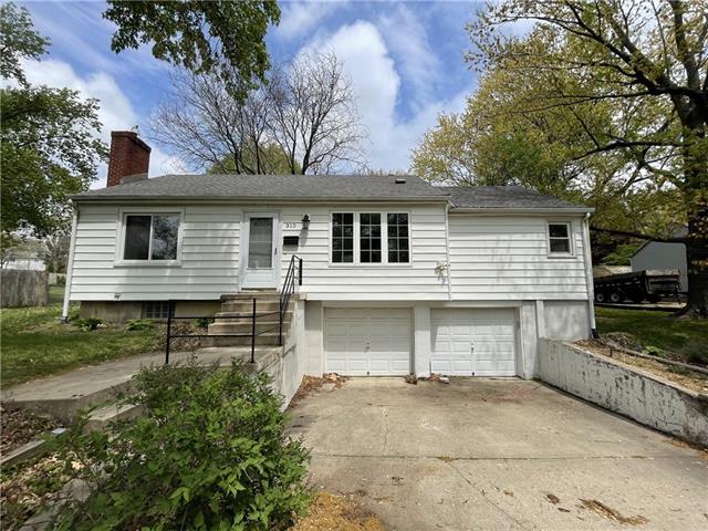 310 W 98 Street Property Photo - Kansas City, MO real estate listing