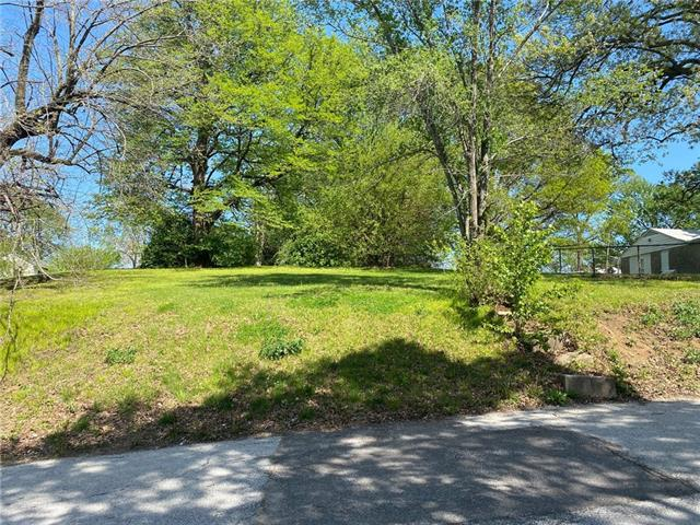 101 S Claremont Avenue Property Photo