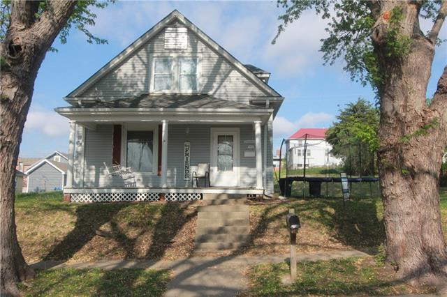 1023 BLACKHAWK Street Property Photo - Weston, MO real estate listing