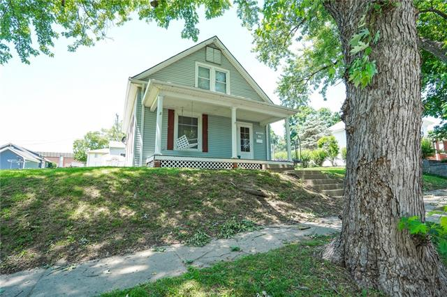 1023 Blackhawk Street Property Photo 1