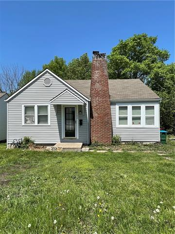 102 W 2nd Street Property Photo - Lee's Summit, MO real estate listing
