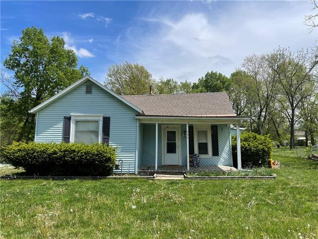 407 Maple Street Property Photo - Lathrop, MO real estate listing