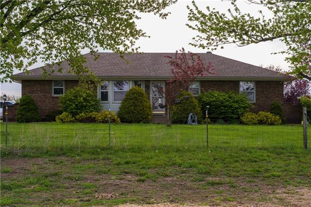 27611 S Belle Plain Road Property Photo - Harrisonville, MO real estate listing