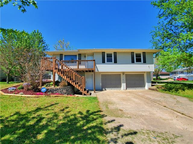 271 NW 75 Road Property Photo - Centerview, MO real estate listing