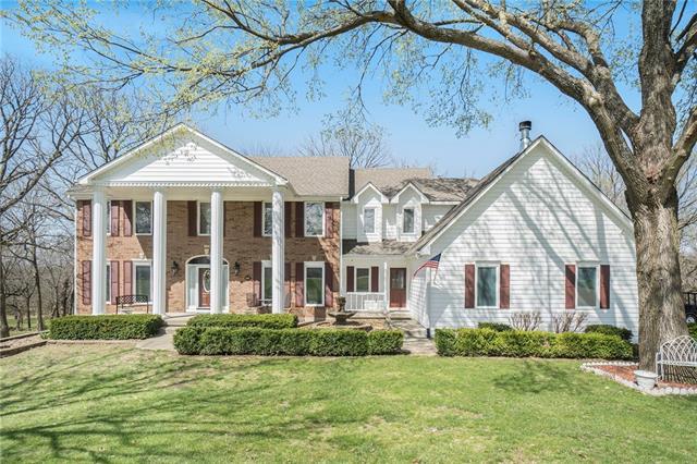 203 Sugarland Drive Property Photo - Pleasant Hill, MO real estate listing