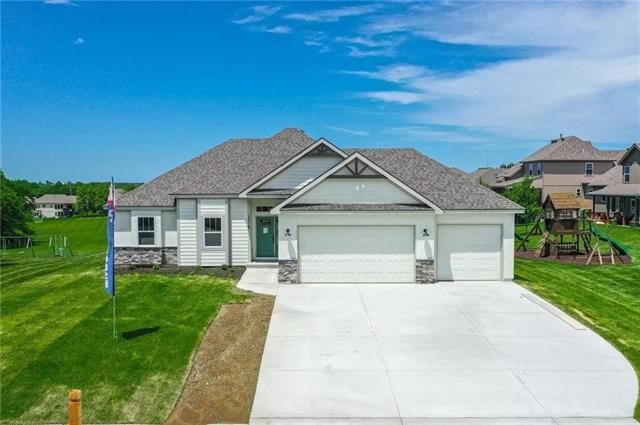515 Whitetail Court Property Photo - Smithville, MO real estate listing