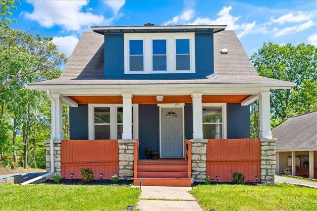 2711 Kensington Avenue Property Photo