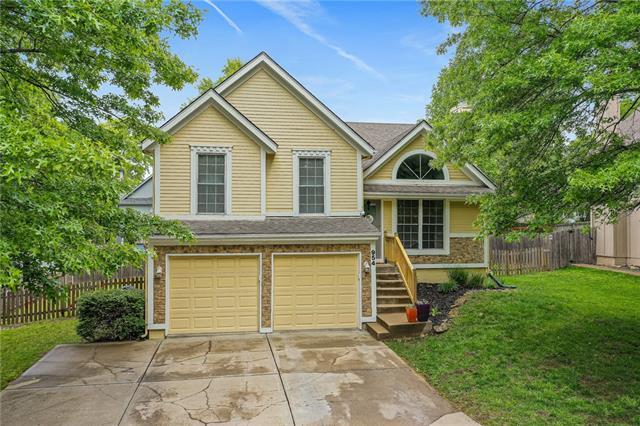 954 E Cavendish Trail Property Photo - Olathe, KS real estate listing