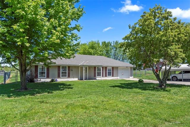96 8TH Street Property Photo - Garden City, MO real estate listing