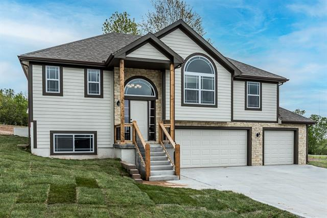 1811 N 162nd Terrace Property Photo - Basehor, KS real estate listing