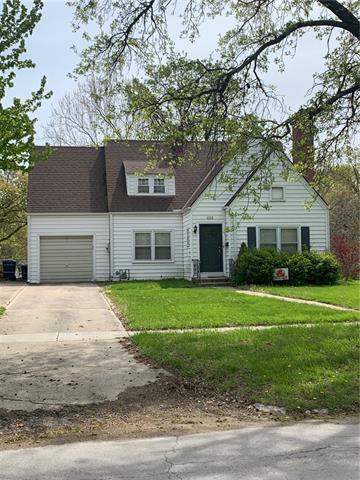1123 S Cedar Street Property Photo - Ottawa, KS real estate listing