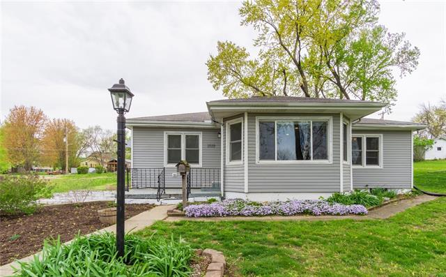 1519 Santa Fe Street Property Photo - Atchison, KS real estate listing