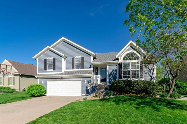 813 S Cedar Street Property Photo - Gardner, KS real estate listing