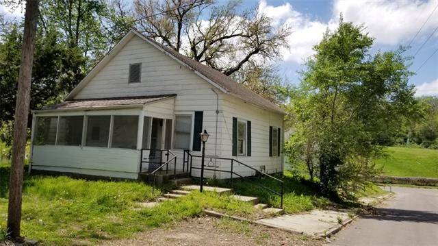 216 W Augusta Street Property Photo - St Joseph, MO real estate listing