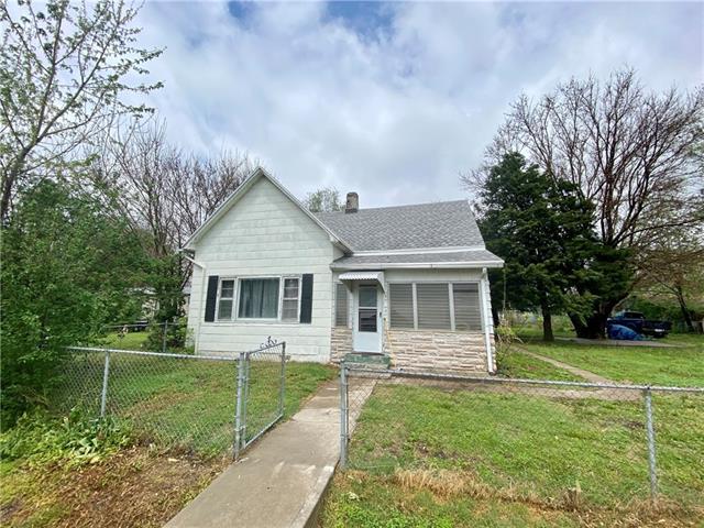 1705 Pine Street Property Photo - St Joseph, MO real estate listing