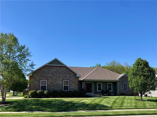 621 Plum Creek Circle Property Photo - Gardner, KS real estate listing