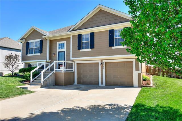1006 W 10th Avenue Property Photo - Kearney, MO real estate listing