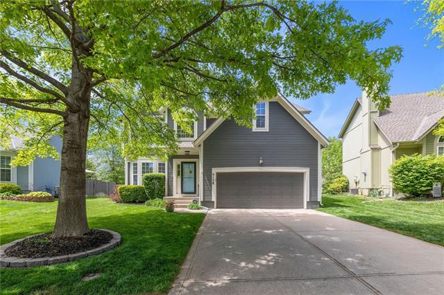 5158 Roundtree Street Property Photo - Shawnee, KS real estate listing