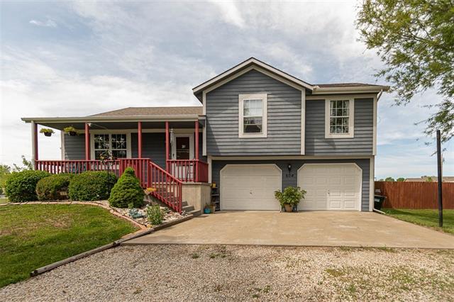 604 Hoover Street Property Photo - Pomona, KS real estate listing