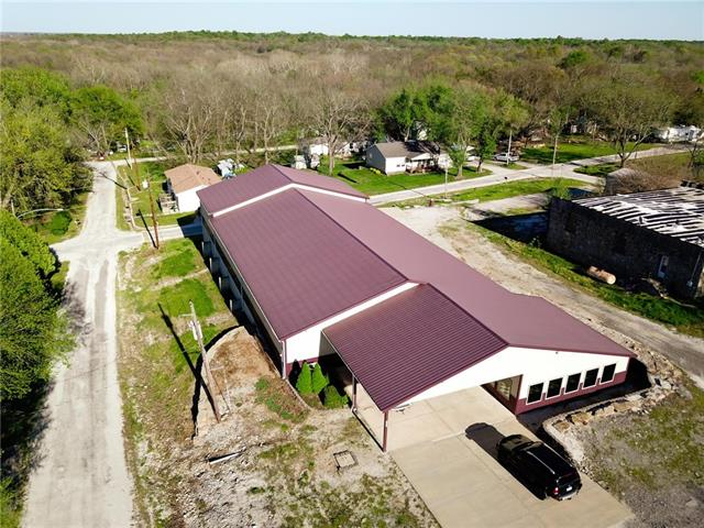 207 N Main Street Property Photo - Cleveland, MO real estate listing