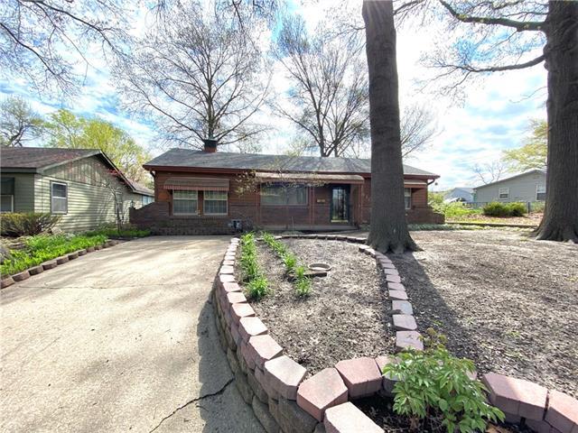 1410 Summit Street Property Photo - Lawrence, KS real estate listing