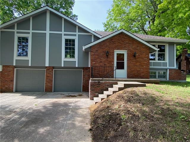 640 Real Estate Listings Main Image