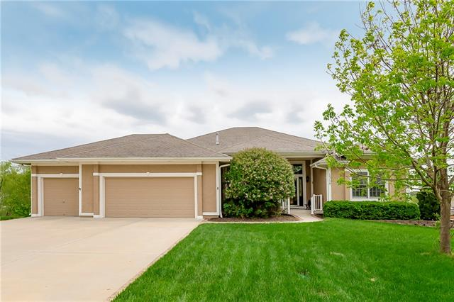 15235 Bradfort Court Property Photo - Basehor, KS real estate listing