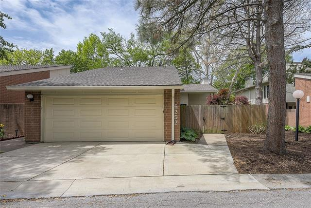 6252 Rosewood Street Property Photo - Mission, KS real estate listing