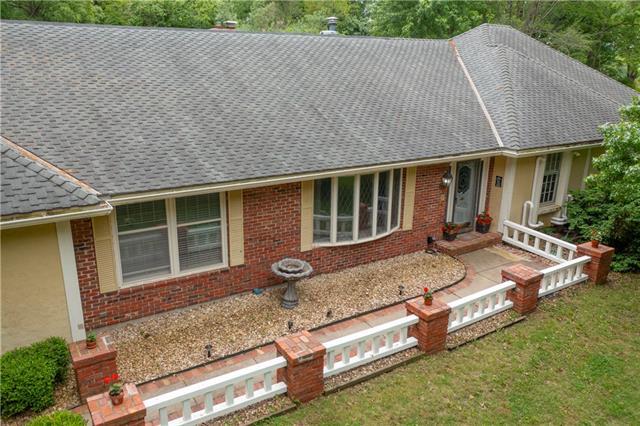 4600 Lakeview Drive Property Photo 1