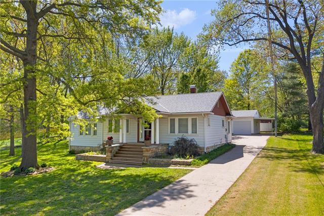 5202 Newton Street Property Photo - Overland Park, KS real estate listing