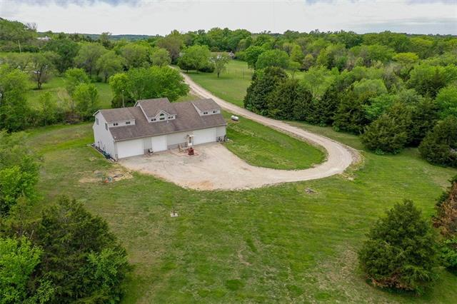 908 E 1650 Road Property Photo - Baldwin City, KS real estate listing