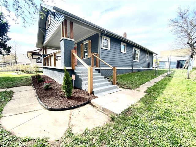 902 W White Oak Street Property Photo - Independence, MO real estate listing