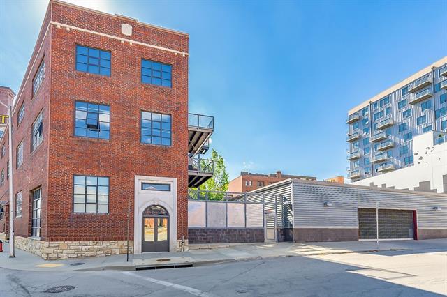 2120 Wyandotte Street #22 Property Photo 1