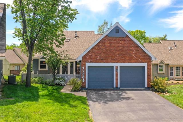 12569 W 82nd Terrace Property Photo - Lenexa, KS real estate listing