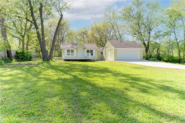 8240 Spring Valley Road Property Photo - Raytown, MO real estate listing