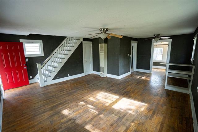 210 E 12th Street Property Photo - Ottawa, KS real estate listing