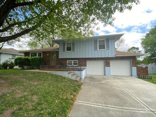 703 NE Independence Avenue Property Photo - Lee's Summit, MO real estate listing